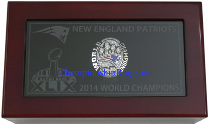 """Picture of 2014 New England Patriots """"Super Bowl XLIX"""" Champions 10K White Gold, with Diamonds, Player's Ring and Original Presentation Box"""